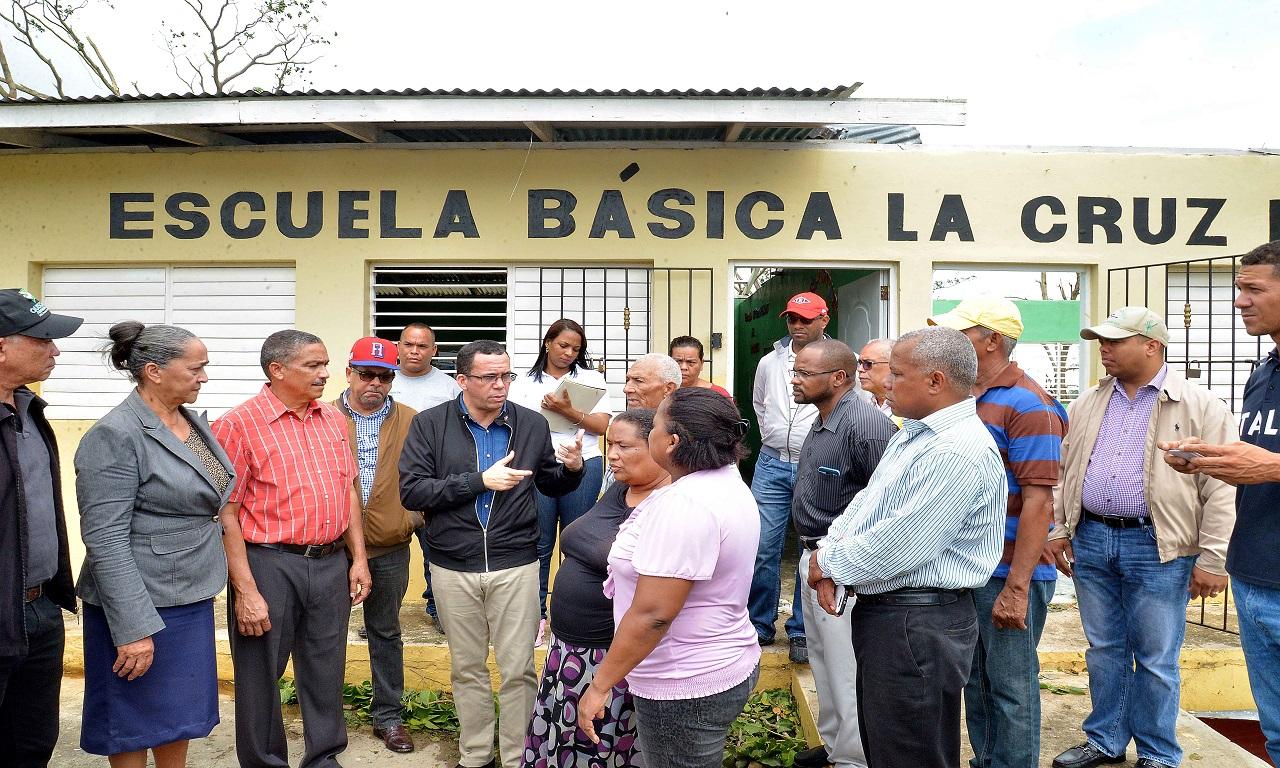 Imagen Ministro de Educación Andrés Navarro hace recorrido por centros educativos de Higüey y La Romana