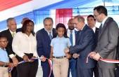 imagen Presidente Medina y Ministro Navarro acto de inauguración de nuevo Centro Educativo en Villa Mella.