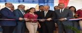 imagen Presidente Medina y ministro Antonio Peña Mirabal hacen corte de cinta en la inauguración
