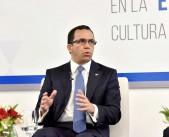 imagen Ministro Andrés Navarro expone durante panel en simposio de Capex