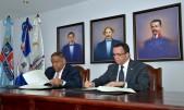 imagen Ministro de Educación Andrés Navarro junto al ministro de Deporte Danilo Díazfirman acuerdo para el fomento y desarrollo del deporte en las escuelas