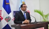 imagen Ministro de Educación Andrés Navarro durante su participación durante el encuentro.
