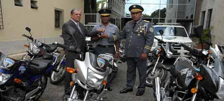 imagen Ministro Amarante Baret dispone reforzamiento de vigilancia en escuelas con más patrullaje y agentes de Policía Escolar