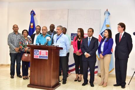 imagen Comisión conjunta Ministerio de Educación, ADP, IDEICE.