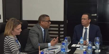 imagen Durante la primera reunión de trabajo, encabeza por el ministro de Educación, Antonio Peña Mirabal, y el de Obras Públicas, Ramón Antonio Pepín