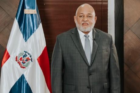 imagen Ministro Roberto Fulcar
