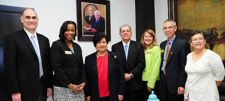 imagen Ministerios de Educación y Educación Superior firman convenios con Universidad de Michigan para capacitar docentes