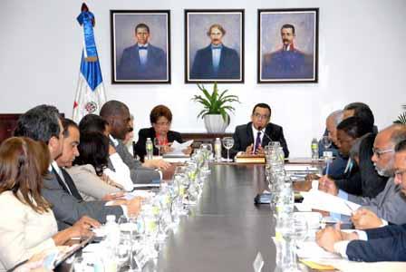 imagen Ministro Andrés Navarro encabeza reunión extraordinaria con el Consejo Nacional de Educación.