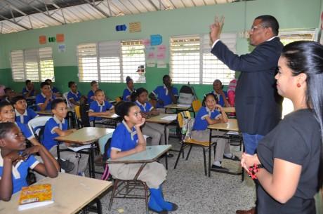 imagen Estudiantes durante la charla