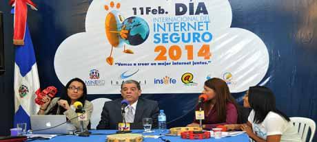 imagen Amarante Baret exhorta a vigilar acceso de niños y niñas a internet; anuncia uso de las redes en la Jornada Extendida