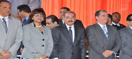 imagen Presidente Medina inaugura cinco escuelas en la provincia Duarte; ministro de Educación destaca obras y exalta figura del patricio