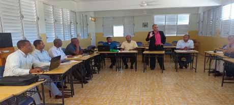 imagen Regional de Barahona realiza taller de evaluación