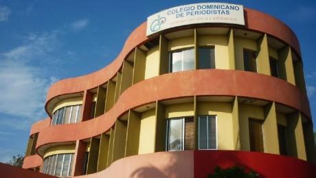 imagen Fachada del colegio dominicano del periodistas