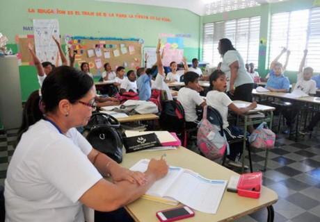 imagen Docentes en las aulas durante Evaluación del Desempeño Docente