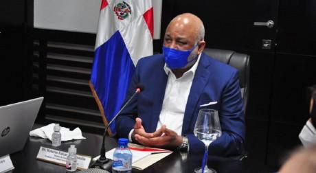 imagen El Consejo Nacional de Educación (CNE), encabezado por el ministro de Educación doctor Roberto Fulcar