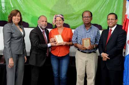 imagen INABIMA distribuye entre 60 maestros 15 millones de pesos del Plan de Retiro Complementario