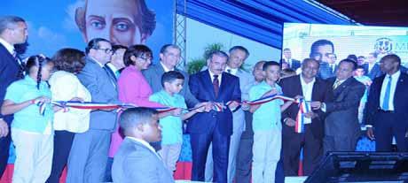 imagen Presidente entrega a la provincia Duarte otras 148 aulas para Tanda Extendida