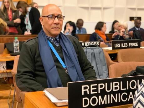 imagen Director de Gabinete Ministerial del MINERD, Henry Santos, junto a José Antonio Rodríguez, delegado permanente dominicano ante la UNESCO.
