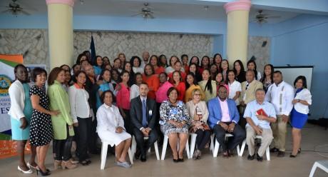 imagen Participantes de la Especialidad en Educación del Primer Ciclo con Énfasis en Lecto-Escritura y Matemáticas que laboran en centros educativos de la provincia El Seibo.