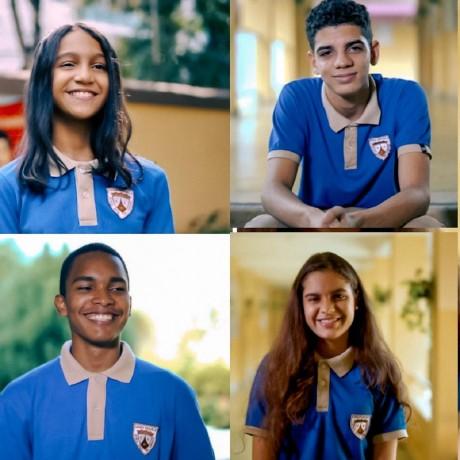 imagen Estudiantes sonriendo