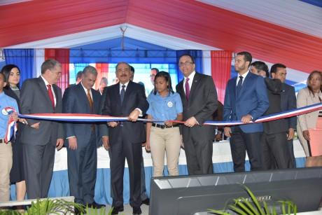 imagen Presidente Danilo Medina corta cinta y deja inaugurado tres centros educativos y una estancia infantil en la provincia Espaillat