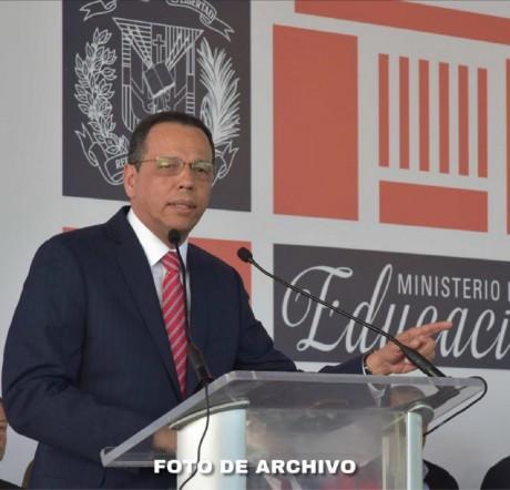 imagen El ministro de Educación, Antonio Peña Mirabal